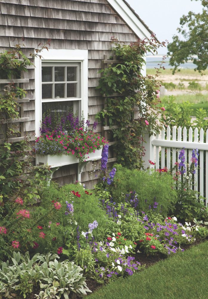 Cape Cod Cottage Garden