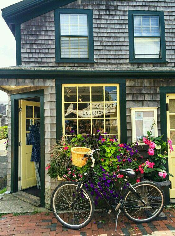 Cafe Design | Nantucket