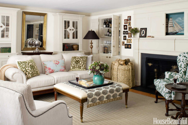 Cape cod style cottage for Cape cod living room design