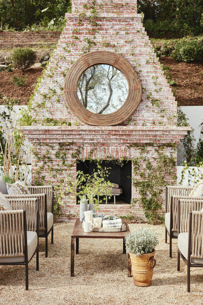 backyard-designed-entertaining-from-al-fresco-dinner
