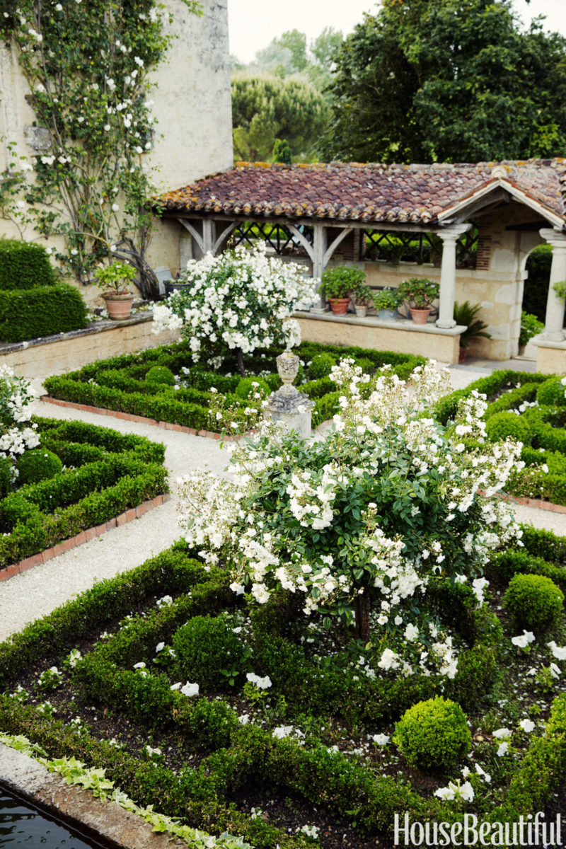 Cafe Design | French Chateau | Cloister Garden