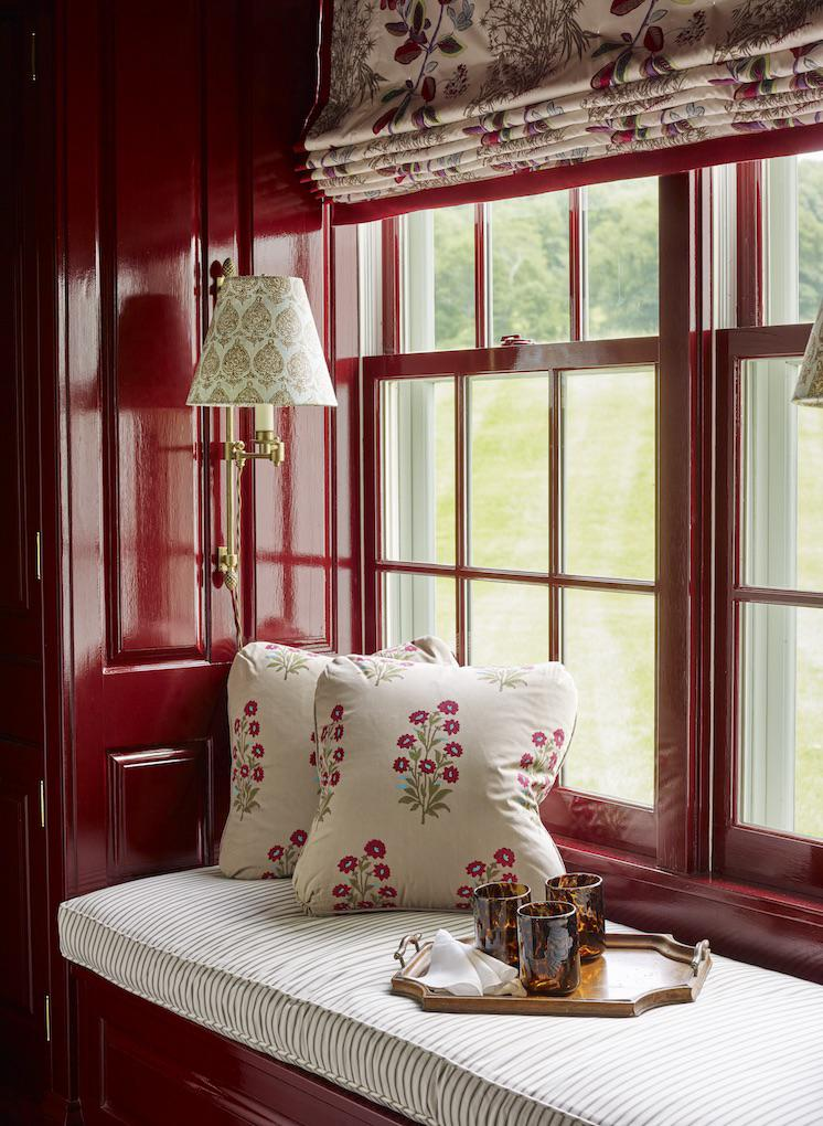 Window Seat Red