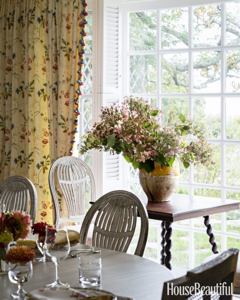 Dining Room Us: Old World Charm