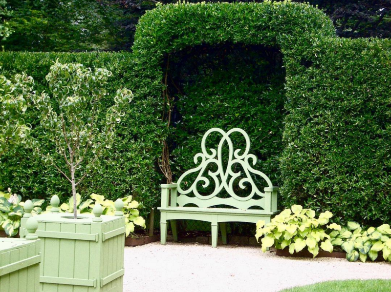the parterre bench