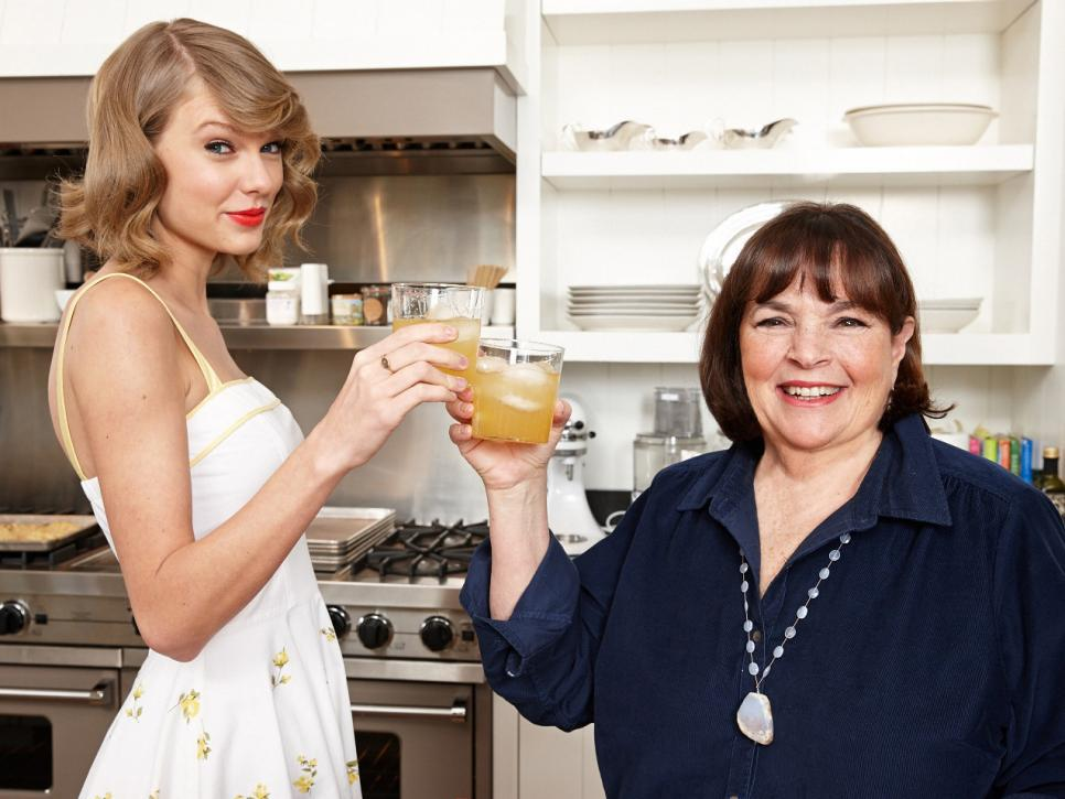 Ina-Garten-and-Taylor-Swift-cook-together
