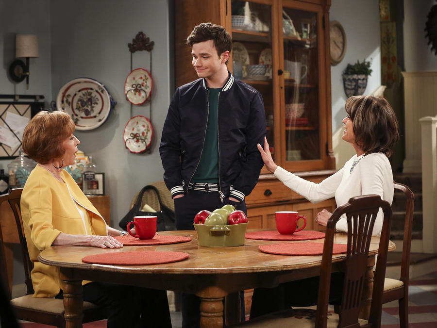 Hot in Cleveland 10