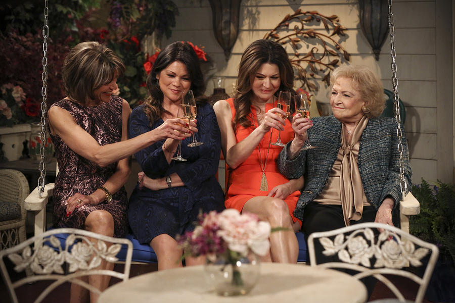 Hot in Cleveland 12